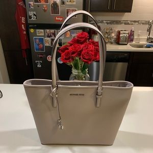 Michael Kors Jet Set Travel Tote! NWT!